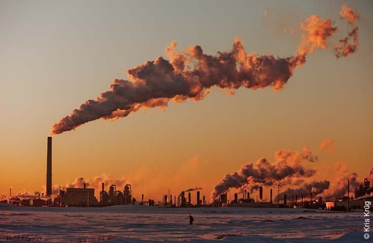 Photo of Canadian oil sands refinery